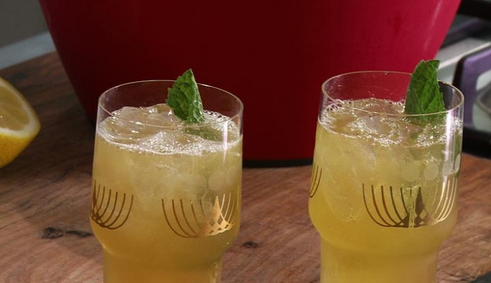 Apple and Passionfruit Ice Tea