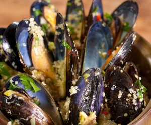 Chilli and Lemongrass Mussels with Quinoa