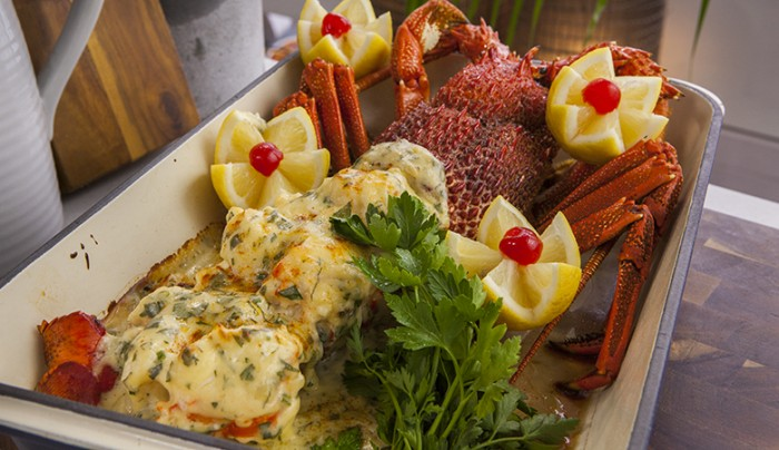 how to cook lobster tail mornay
