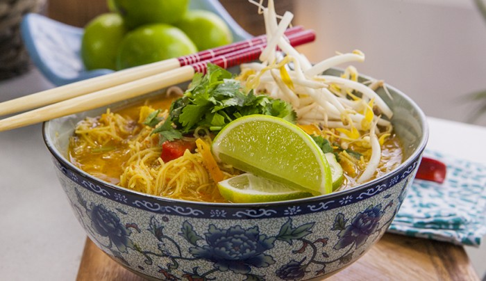 Thukpa (Nepalese Chicken Noodle Soup)