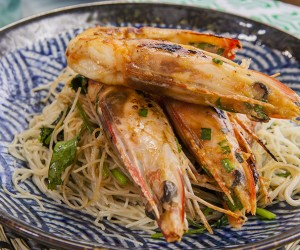 Prawns with Garlic Chives and Brown Rice Noodle