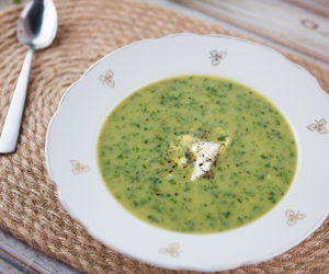 Roast Garlic, Potato and Spinach Soup