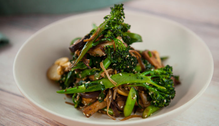 Broccolini with Chicken and Cashews