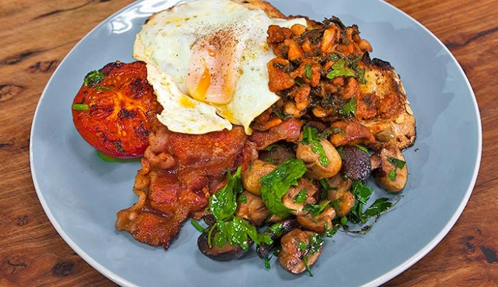 Breakfast Beans with Kale