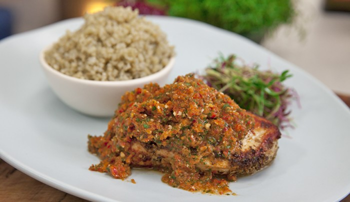 Chicken Breast with Raw Tomato and Red Capsicum Sauce