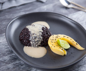 Sticky Black Rice with Mango